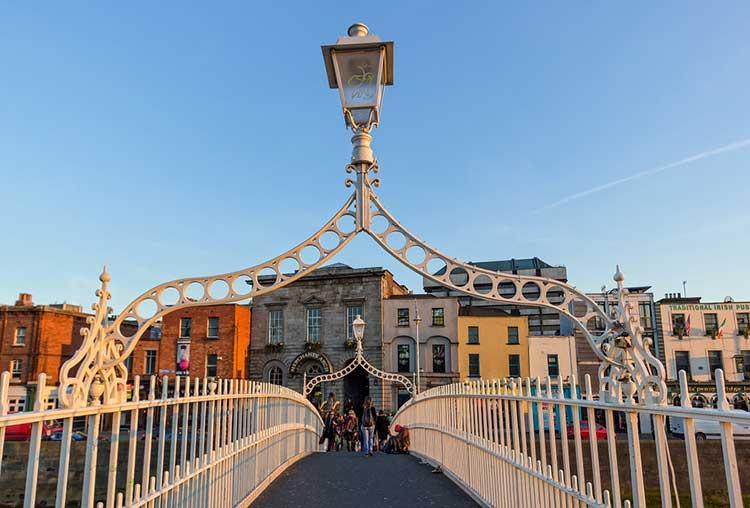 Dublin, Ha-Penny bridge